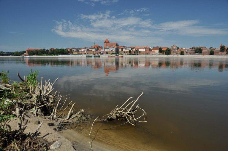 Widok na Stare Miasto w Toruniu z drugiego brzegu Wisły, Toruń, Polska